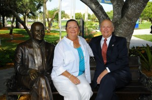 Marti and H. Wayne Huizenga Enjoy the Shade