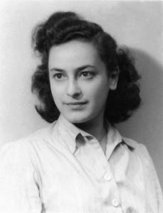 Hélène Berr's official portrait, 1942 © Mémorial de la Shoah – Coll. Mariette Job