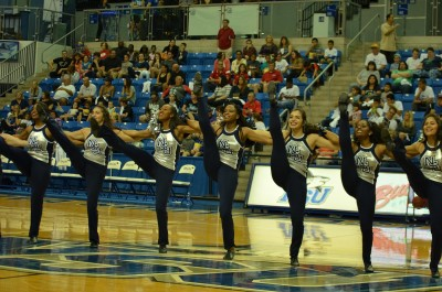 Sharkettes_Spirit_Squad
